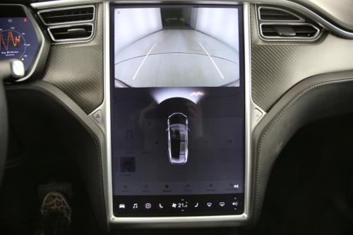TESLA Model X 90D + A/T + AUTOPILOT + GPS + LEDER + CAMERA + PDC + ALU 20 + TREKHAAK