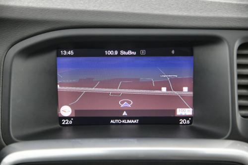 VOLVO V60 Kinetic 2.0D2 + GPS + PDC +  CRUISE + TREKHAAK + ALU 16