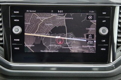 VOLKSWAGEN T-Roc SPORT 2.0 TDI  4MOTION + GPS + LEDER + PDC + CRUISE + TREKHAAK + ALU 17