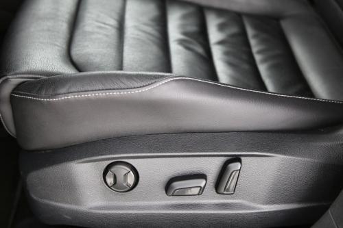 VOLKSWAGEN Golf HIGHLINE BMT 2.0 TDI + GPS + LEDER + PDC + CRUISE + XENON + ALU