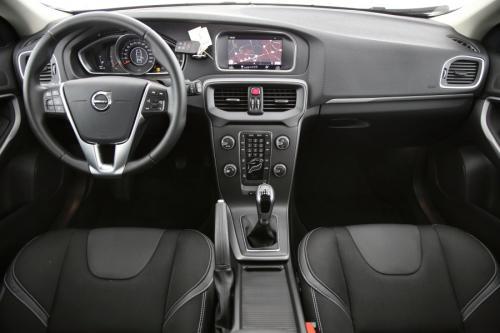 VOLVO V40 BLACK EDITION 2.0T2 + GPS + PDC + CRUISE + ALU 16