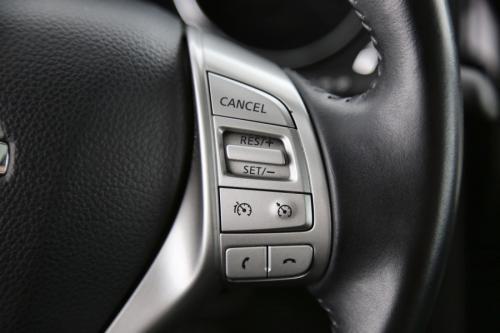 NISSAN Qashqai TEKNA 1.6 DCI + GPS + LEDER + CAMERA + PANO DAK + PDC + CRUISE + ALU 19