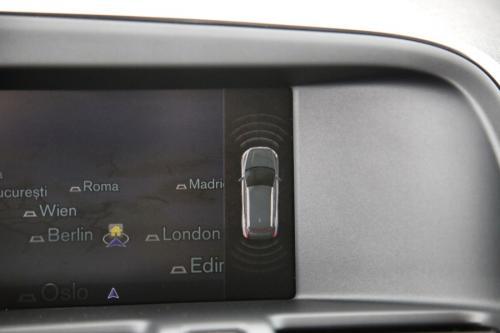 VOLVO XC60  DYNAMIC EDITION 2.0D3 GEARTRONIC + GPS + LEDER + PDC + CRUISE + TREKHAAK + ALU 18