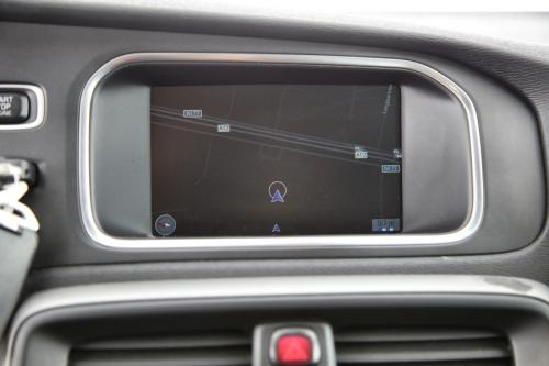 VOLVO V40 KINETIC 2.0D2 GEARTRONIC + GPS + PDC + CRUISE + TREKHAAK + ALU 16