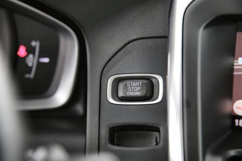 VOLVO XC60 LUXURY EDITION 2.0D3 + GPS + LEDER + PDC + CRUISE + ALU 18