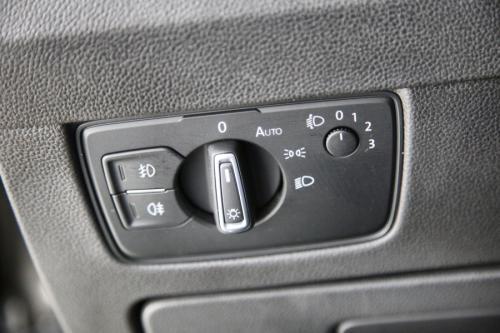 VOLKSWAGEN Passat Variant  HIGHLINE 1.6 TDI DSG  + GPS + LEDER + CAMERA + PDC + CRUISE + ALU 17