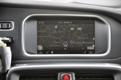 VOLVO V40  INSCRIPTION 2.0D2 ECO + GPS + LEDER + PDC + CRUISE + TREKHAAK + ALU 16