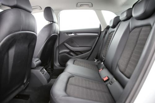 AUDI A3 SPORTBACK AMBITION 1.6 TDI + GPS + PDC + CRUISE + AIRCO + ALU 16