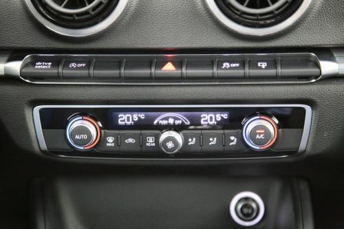 AUDI A3 SPORTBACK SPORT 1.6 TDI + GPS + PDC + CRUISE + ALU 17 + XENON