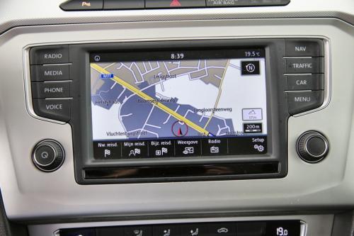 VOLKSWAGEN Passat COMFORTLINE 1.6 TDI + GPS + CAMERA + PDC + CRUISE + ALU 16