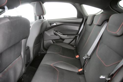 FORD Focus ST LINE 2.0 TDCI + GPS + PDC + CRUISE + AIRCO + ALU 17