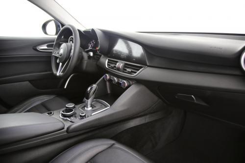 ALFA ROMEO Giulia SUPER 2.2JTDm ECO + A/T + GPS + PDC + CRUISE + ALU 16