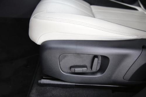 LAND ROVER Range Rover Velar S 2.0T AWD + A/T + GPS + LEDER + CAMERA + PDC + ALU 22