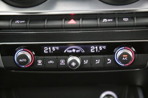 AUDI Q2 S-LINE SPORT 1.4 TFSI COD S-TRONIC + GPS + PDC + CRUISE + TREKHAAK + ALU 18 + XENON