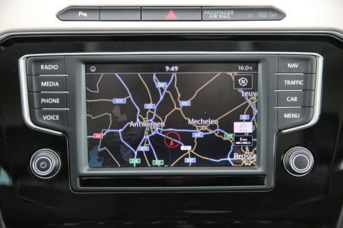 VOLKSWAGEN Passat Variant HIGHLINE 1.6 TDI + GPS + PDC + CRUISE + ALU 17